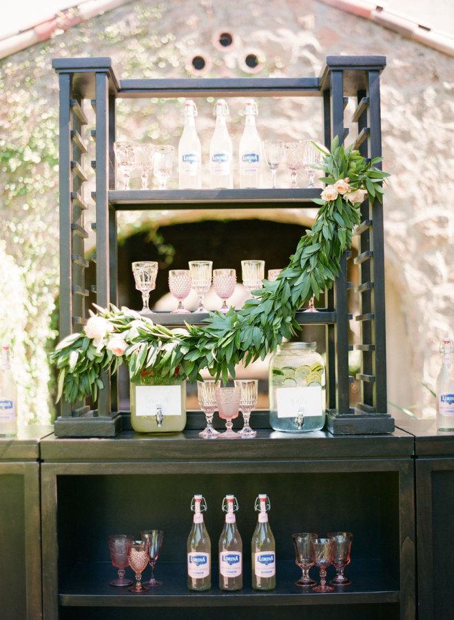Outdoor wedding checklist - drink stand